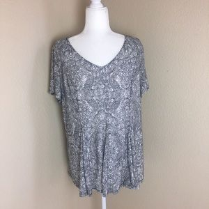 Roz & Ali 1X Floral Short Sleeve V-neck Tunic Top